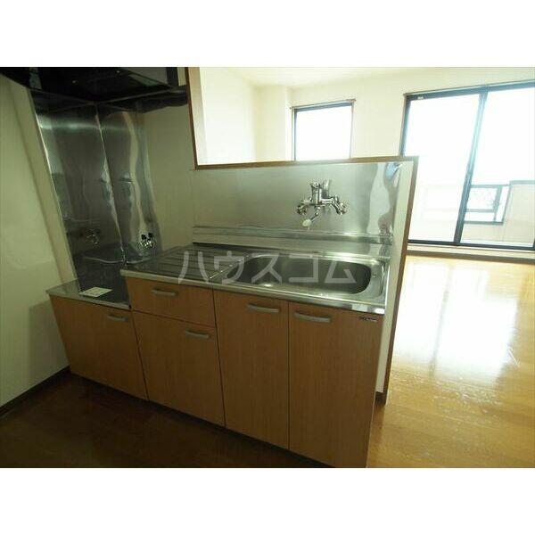 メゾンドクレール 305号室のキッチン
