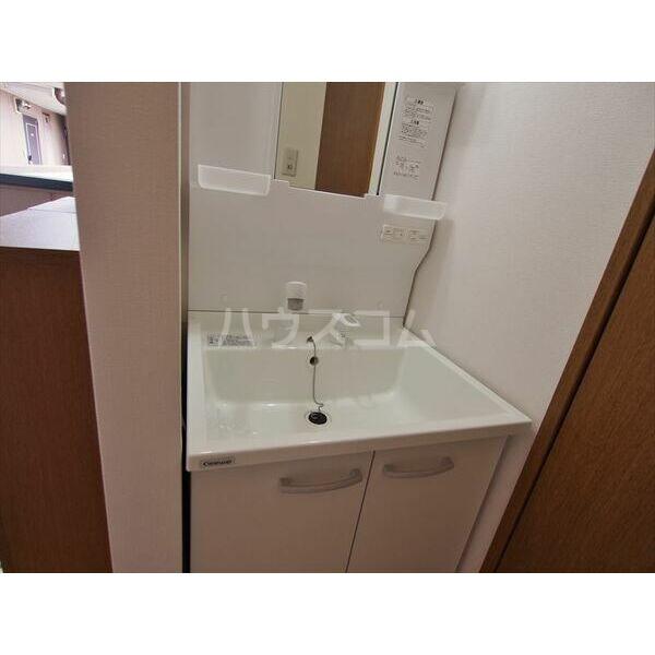 メゾンドクレール 305号室の洗面所
