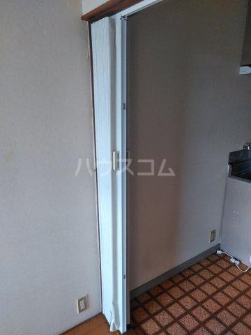 吉沢ハイツ 203号室の玄関