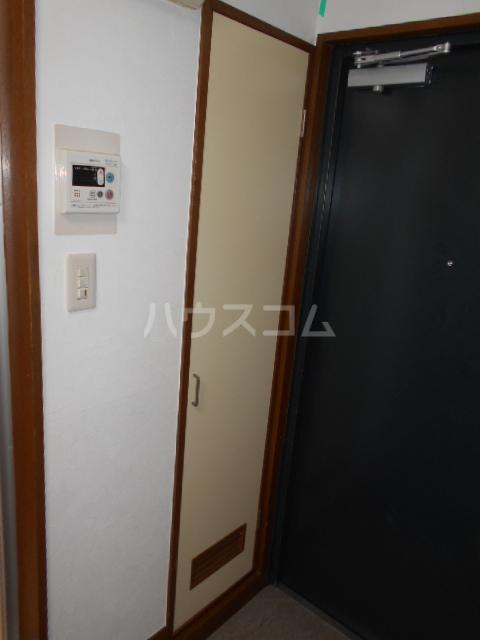 ブライト・ルシヨン 202号室の収納