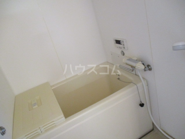 ラプラス平松C 101号室の風呂