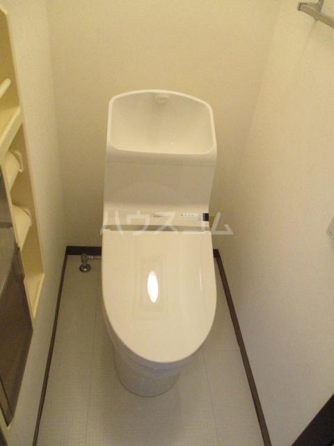 ラプラス平松C 101号室のトイレ