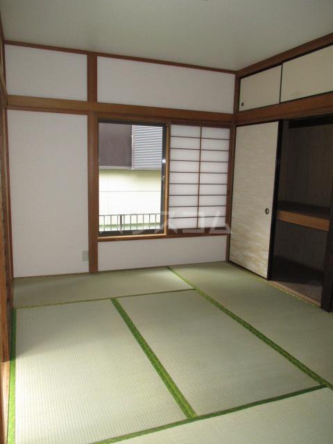 山本貸家の居室