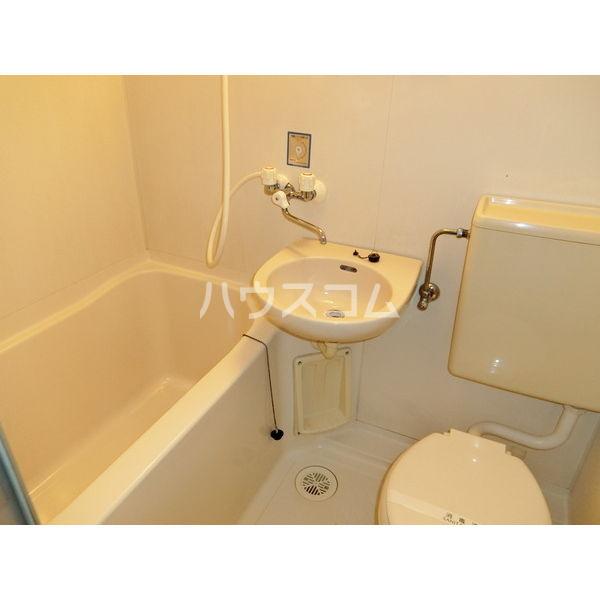 コーポグランデ 202号室の洗面所