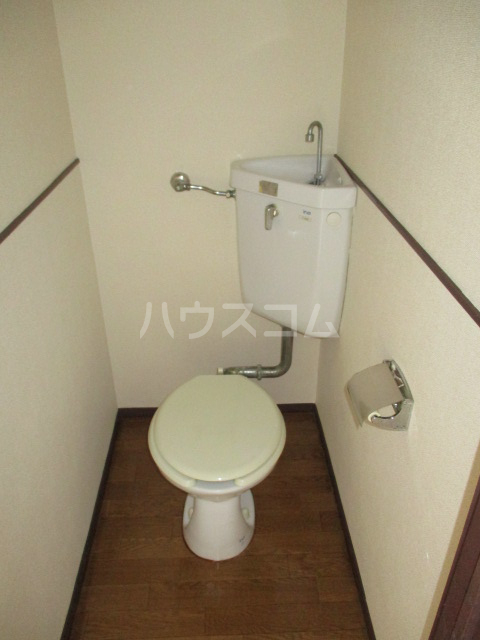 伊奈美コーポ 103号室のトイレ