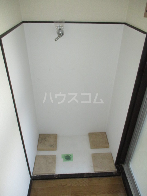 伊奈美コーポ 103号室の洗面所