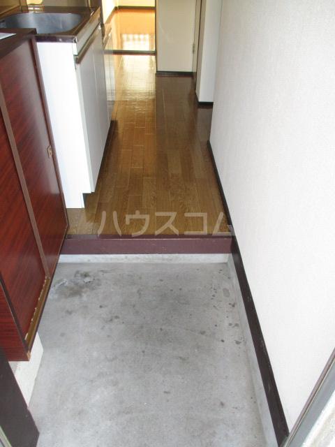 伊奈美コーポ 103号室の玄関