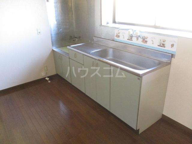メゾンドベルⅠ 102号室のキッチン