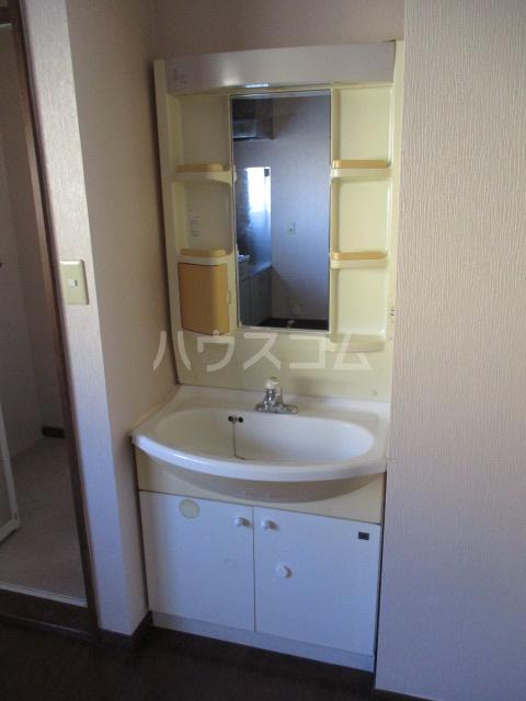 メゾンドベルⅠ 102号室の洗面所