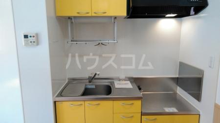 メゾン・ド・ソレイユA 101号室のキッチン