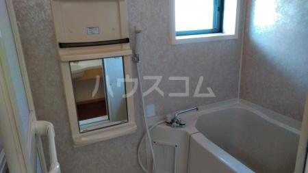 メゾン・ド・ソレイユA 101号室の風呂