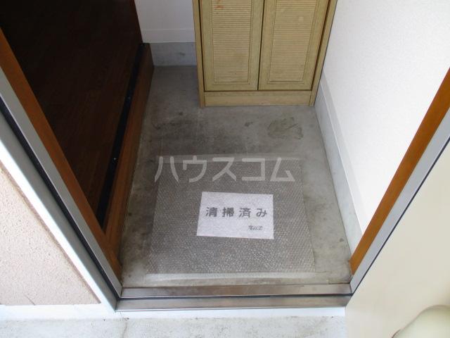 エトアール簗瀬 202号室の玄関