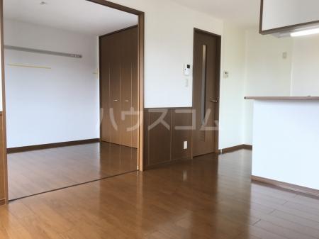 グランベルク A(栃木市) 202号室のリビング