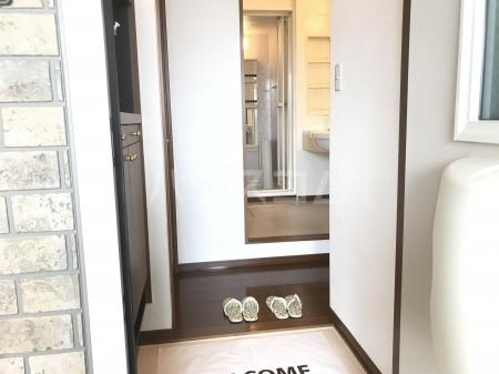 グランベルク A(栃木市) 202号室の玄関