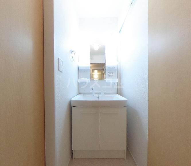 サンパテーク Ⅰ 01010号室の洗面所
