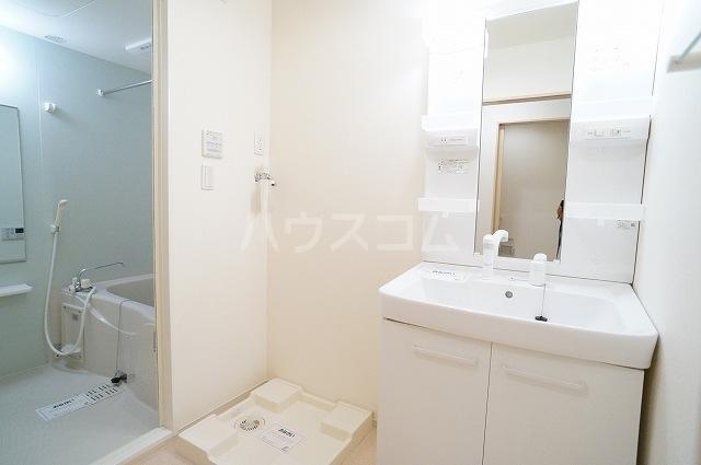 アスカ F 02020号室の洗面所