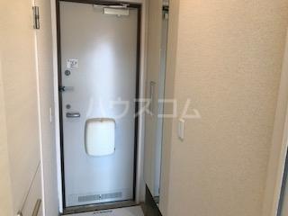 フォルトーナ 205号室の玄関