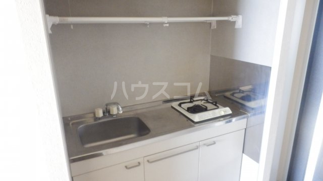 メゾン・ドラペA 202号室のキッチン