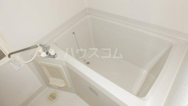 メゾン・ドラペA 202号室の風呂