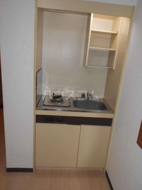 ニューオリエント境南 201号室のキッチン