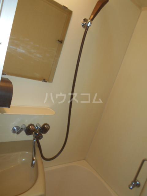 ニューオリエント境南 201号室の風呂