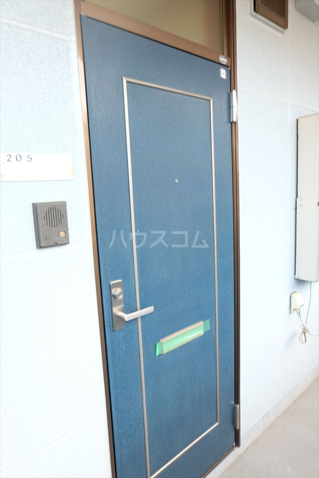さくら館21 205号室のエントランス
