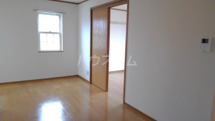 ライフサークルパート9 02010号室のリビング