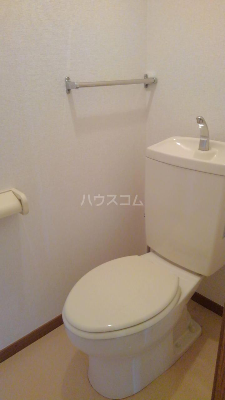 ライフサークルパート9 02010号室のトイレ