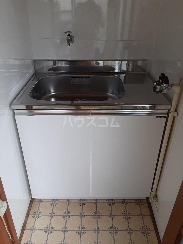 第一高永荘 202号室のキッチン