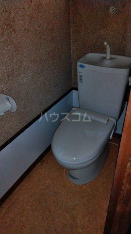 青葉荘 202号室のトイレ