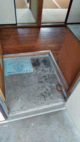 青葉荘 202号室の玄関