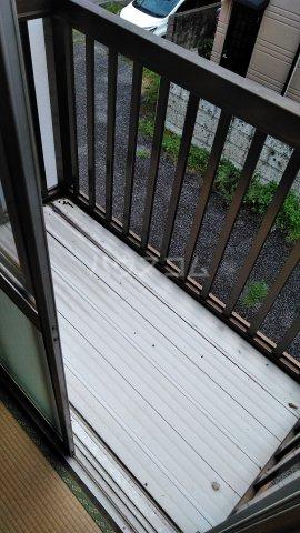 青葉荘 202号室のバルコニー