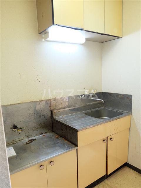 メゾンドココ 303号室のキッチン