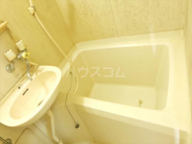 メゾンドココ 303号室の風呂