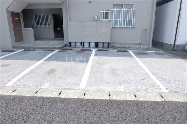 朝日コーポ 302号室の駐車場