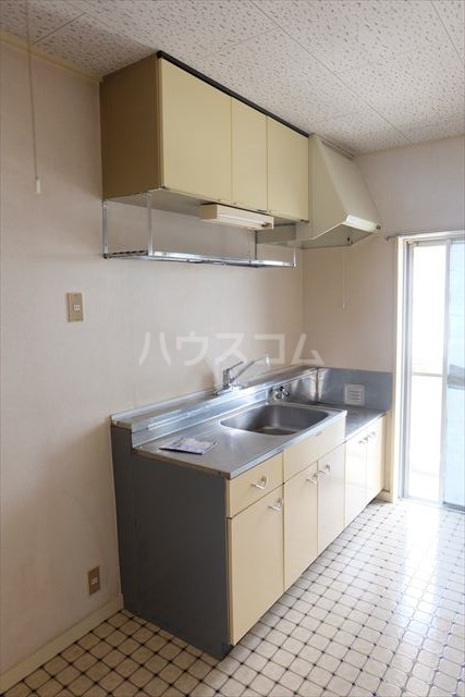 朝日コーポ 302号室のキッチン