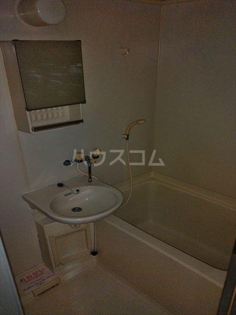 エルディム江曽島 01010号室の風呂