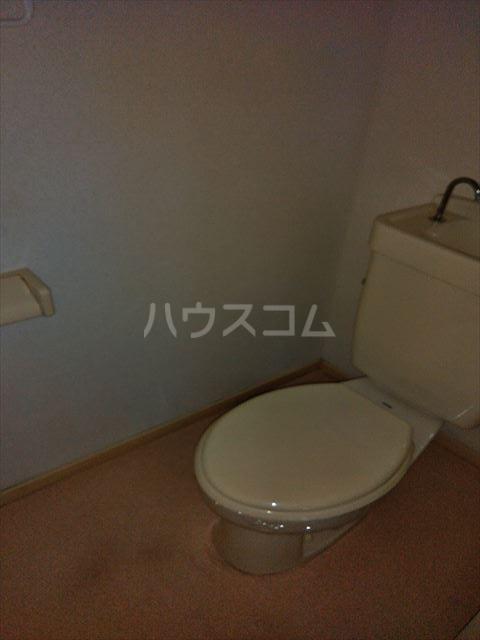 エルディム江曽島 01010号室のトイレ
