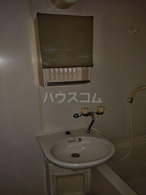 エルディム江曽島 01010号室の洗面所