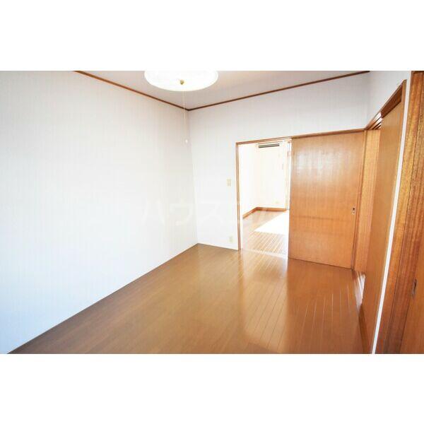 ガーデンハイツ竹内 101号室のベッドルーム