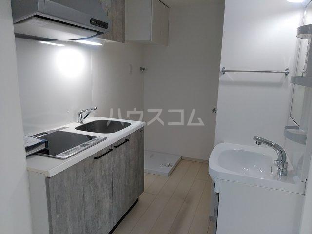 ソルナクレイシア荻窪Ⅱ 102号室のキッチン