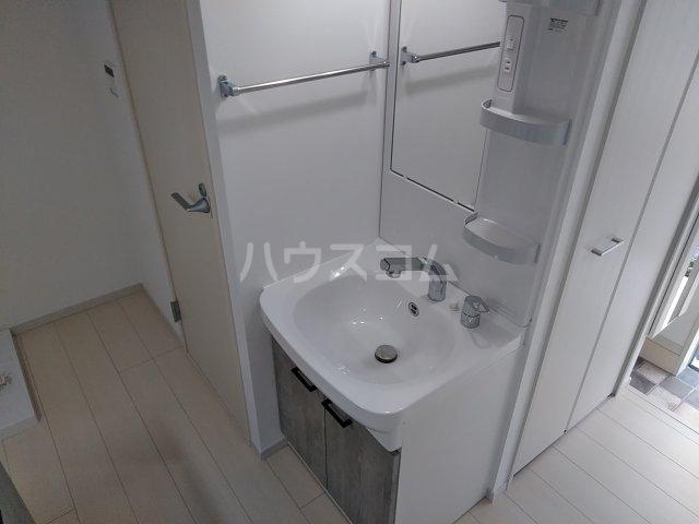 ソルナクレイシア荻窪Ⅱ 102号室の洗面所