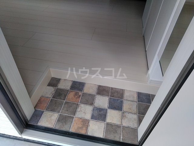 ソルナクレイシア荻窪Ⅱ 102号室の玄関