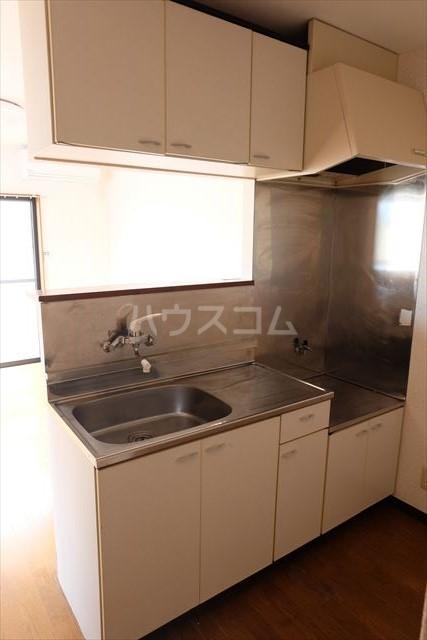パールメゾン 201号室のキッチン