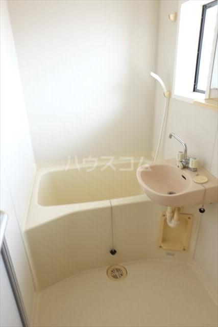 パールメゾン 201号室の風呂