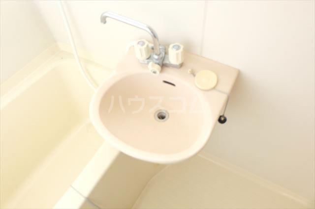パールメゾン 201号室の洗面所