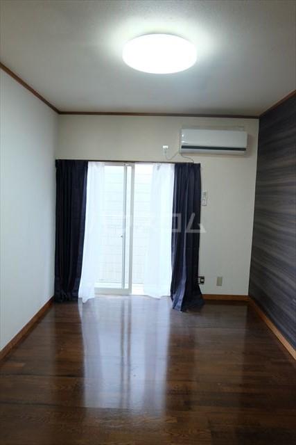 コーポ・テスコⅠ 201号室の居室