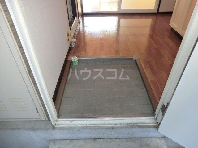 サンシティジュン 205号室の玄関