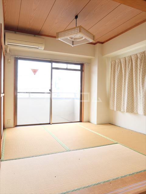 森山ハイツ 302号室の居室