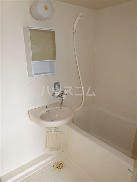 森山ハイツ 302号室の洗面所